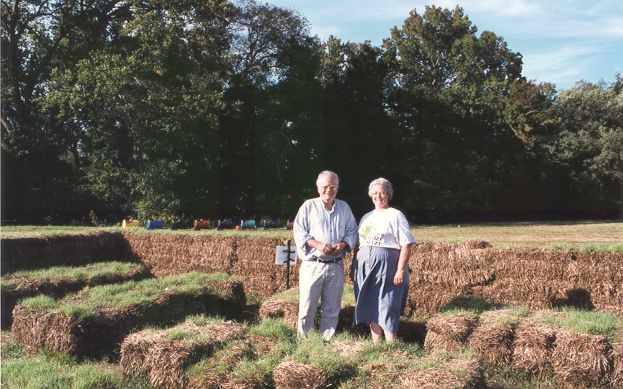 No-Left-Turn Maze, Belvedere Plantation, 1999